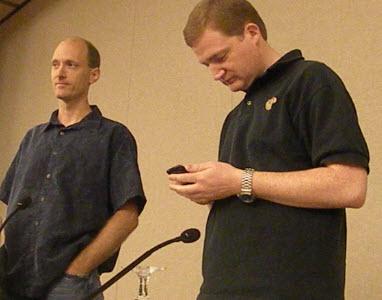 מילר ומולינס במהלך ההרצאה בכנס. קרדיט תמונה: Dean Takahashi, Venturebeat