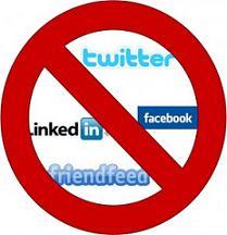 ban-social-media-290x300