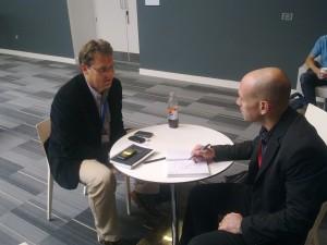 """דביר רזניק מראיין את ד""""ר מיכאל הלבהר בכנס נוקיה וורלד 2010"""