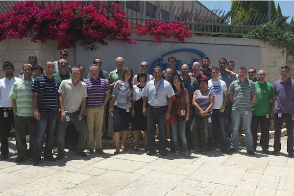 """צוות הפיתוח של מעבדי האטום בירושלים. צילום: יח""""צ"""