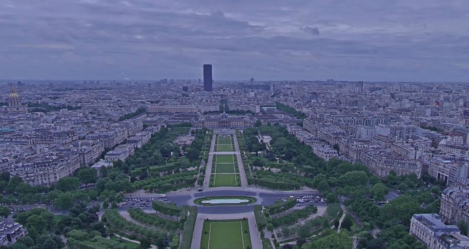 תמונה: Google Street View, הנוף ממגדל אייפל בפריז