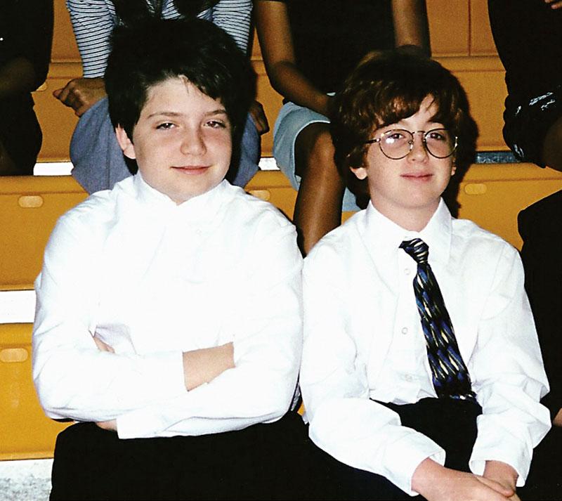 בקוואלד (משמאל) והולץ, המוצגים כאן בגיל 11, נפגשו בכיתה ה בפלורידה ונשארו חברים מאז. עכשיו הם שותפים עסקיים. תמונה: מדע פופולארי