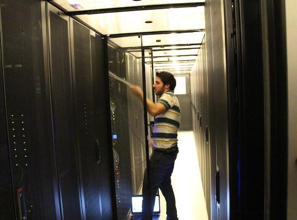 מעבדת ה-Storage ב-Dell, הרצליה. צילום: אבישי בסה, גיקטיים