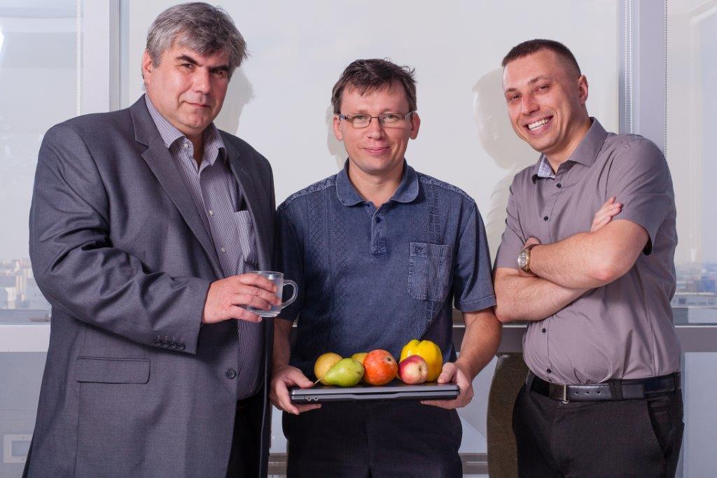 אלכסנדר וייצמן (משמאל) ואולג קורול (מימין) – טבעטרוניק