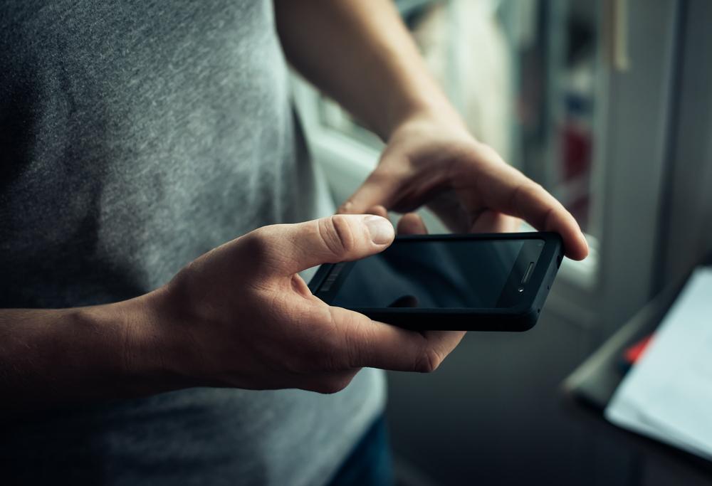 shutterstock smartphone