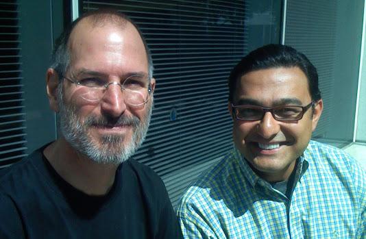 גונדוטרה עם סטיב ג׳ובס. קרדיט תמונה: חשבון הגוגל פלוס של ויק גונדוטרה
