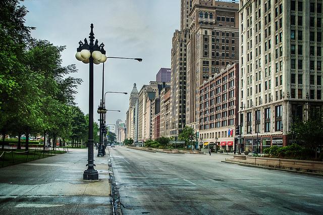 מנורת רחוב בשיקגו. בקרוב, כלי ניטור ובקרה מתקדם? מקור: cc-by-Noah Katz, flickr