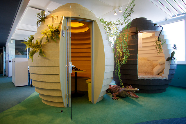 חדר פגישות, משרדי גוגל בציריך, שוויץ. flickr, cc-by, Marcin Wichary