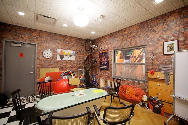 וככה נראה חדר ישיבות, משרדי גוגל בציריך, שוויץ, תמונה: flickr, cc-by, Marcin Wichary