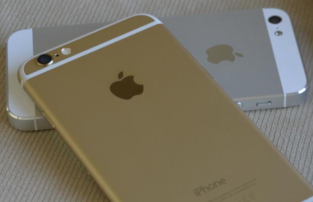 דק וקל עם עיצוב יוקרתי ומרשים. האייפון 6 לצד האייפון 5