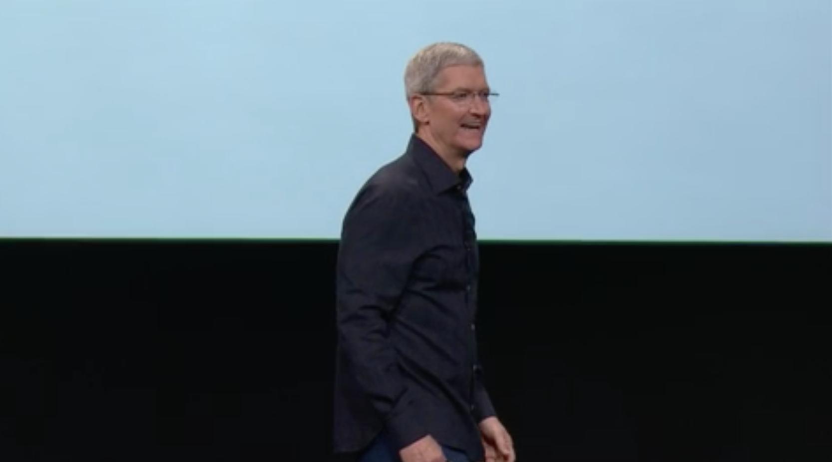 """מנכ""""ל אפל, טים קוק, באירוע ההכרזה הלילה. מקור: צילום מסך"""