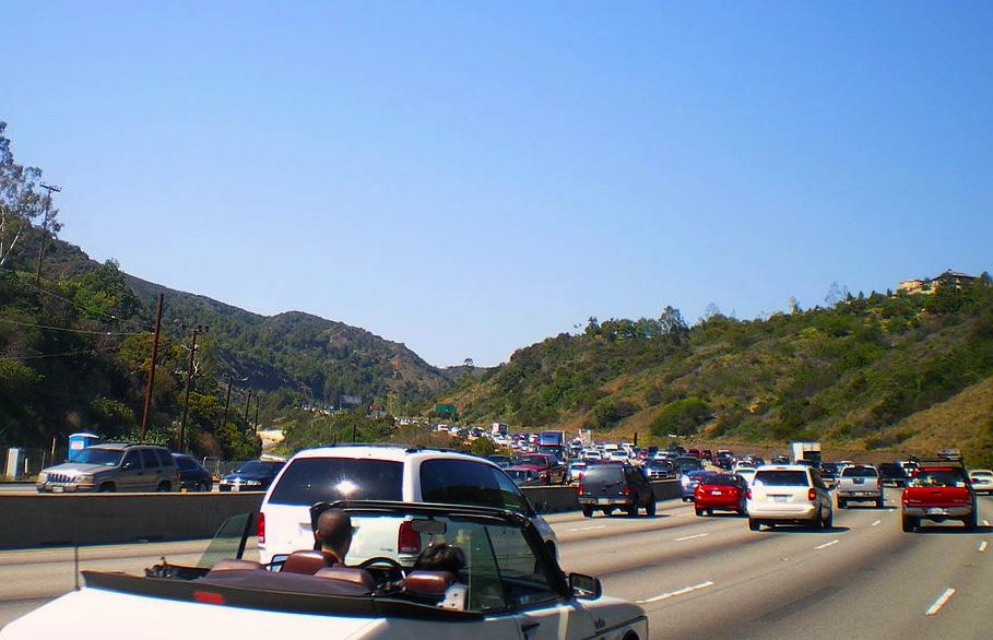 פקקים ב-Interstate 405. מקור: cc-by-BotMultichillT, Wikipedia