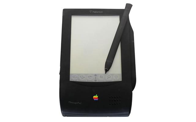 בפעם הקודמת, זה נגמר רע. הניוטון של אפל מ-1990. מקור: cc-by-Rama, wikipedia