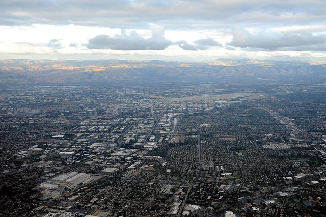 תמונה: Silicon Valley, south bay, California, USA via flickr cc-by Wonderlane