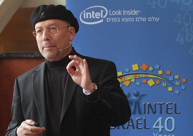 מורידים את הכובע. נשיא אינטל ישראל, מולי אדן. מקור: אינטל