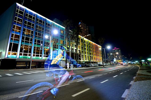תמונה: Tel Aviv, flickr, cc-by amira_a