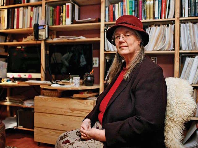 דיאן שו היא מנהיגה של קהילת רגשי הקרינה של גרין באנק. בבית היא יכולה להשתמש במחשב, אבל רק לזמן מוגבל. צילום: מדע פופולארי