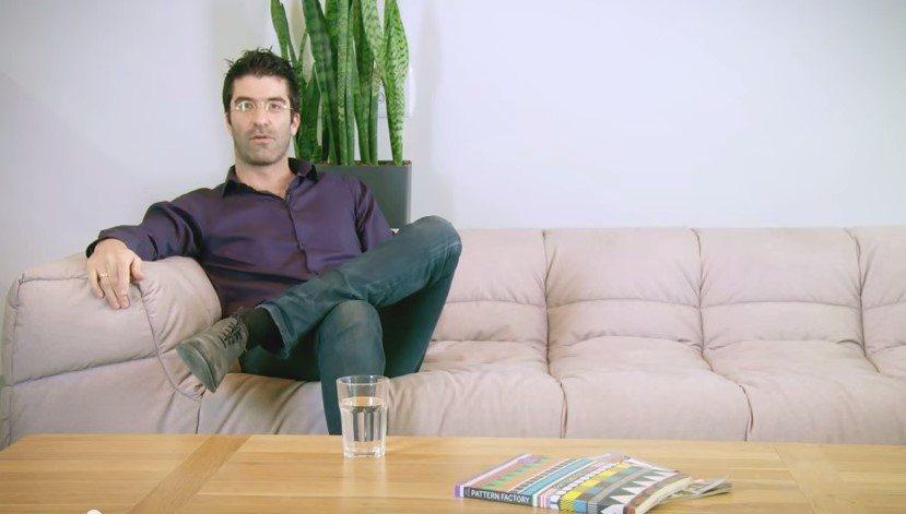 """תומר בר-זאב, מנכ""""ל IronSource. מקור: צילום מסך מתוך סרטון וידאו"""