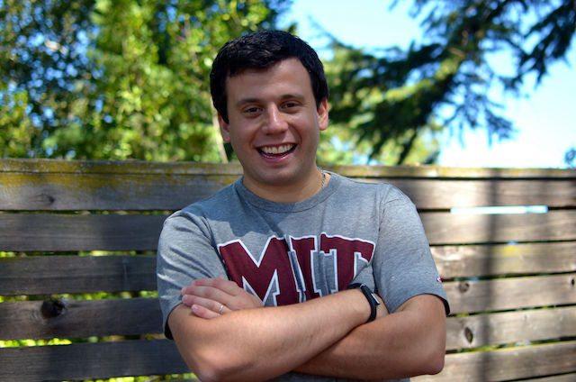 אלחנדרו רזניק, מייסד-שותף