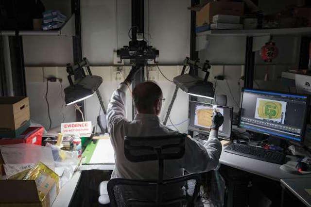 מטעני צד מאולתרים לובשים צורות רבות: הם גדולים או קטנים, אלחוטיים או אנלוגיים. מעבדת TEDAC של ה-FBI משמשת כמרכז מידע לכולם. (מדע פופולארי)
