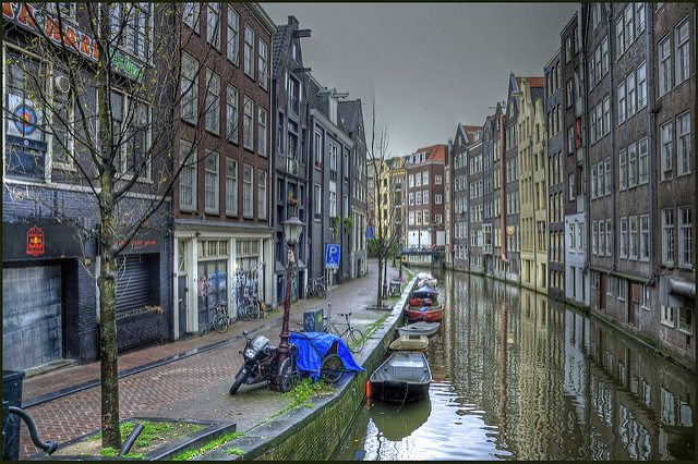 קרדיט תמונה: amsterdam, flickr cc-by Bert Kaufmann