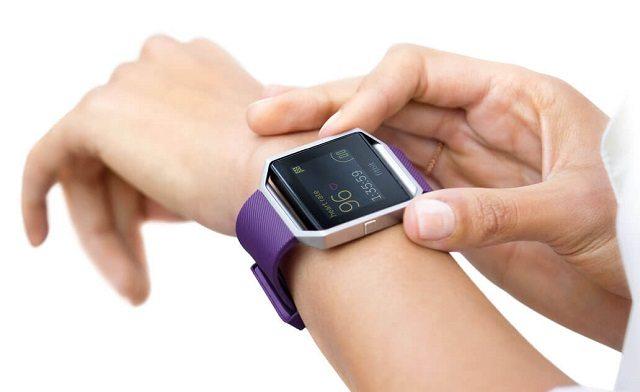 """יקר ומכוער? Fitbit Blaze (צילום: יח""""צ)"""