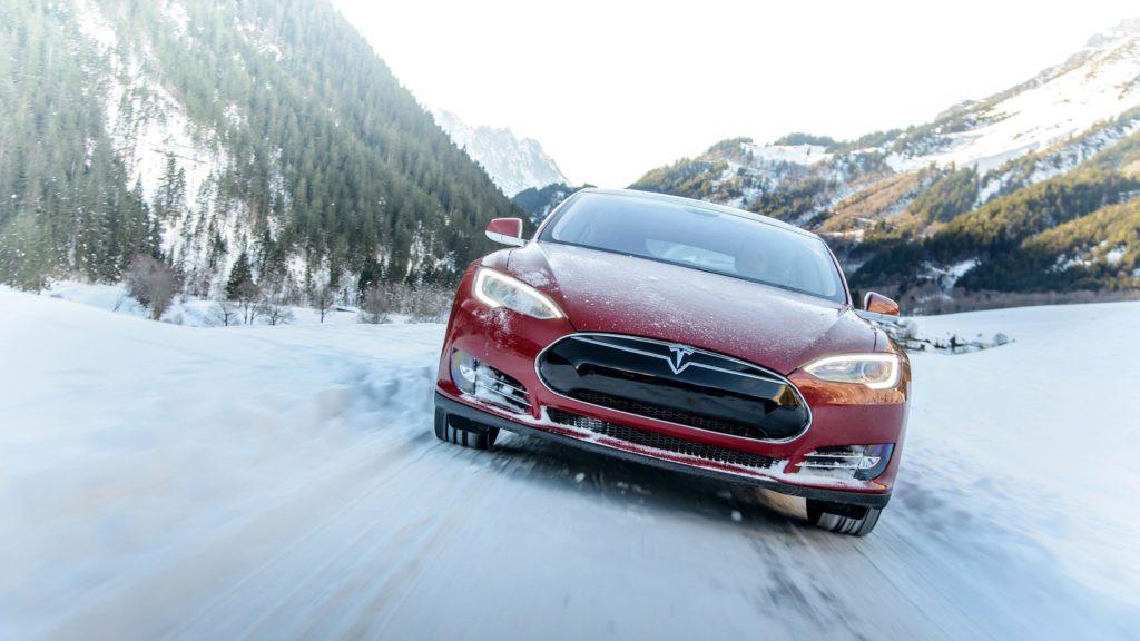 טסלה מודל S P85D. קרדיט: Tesla Motors