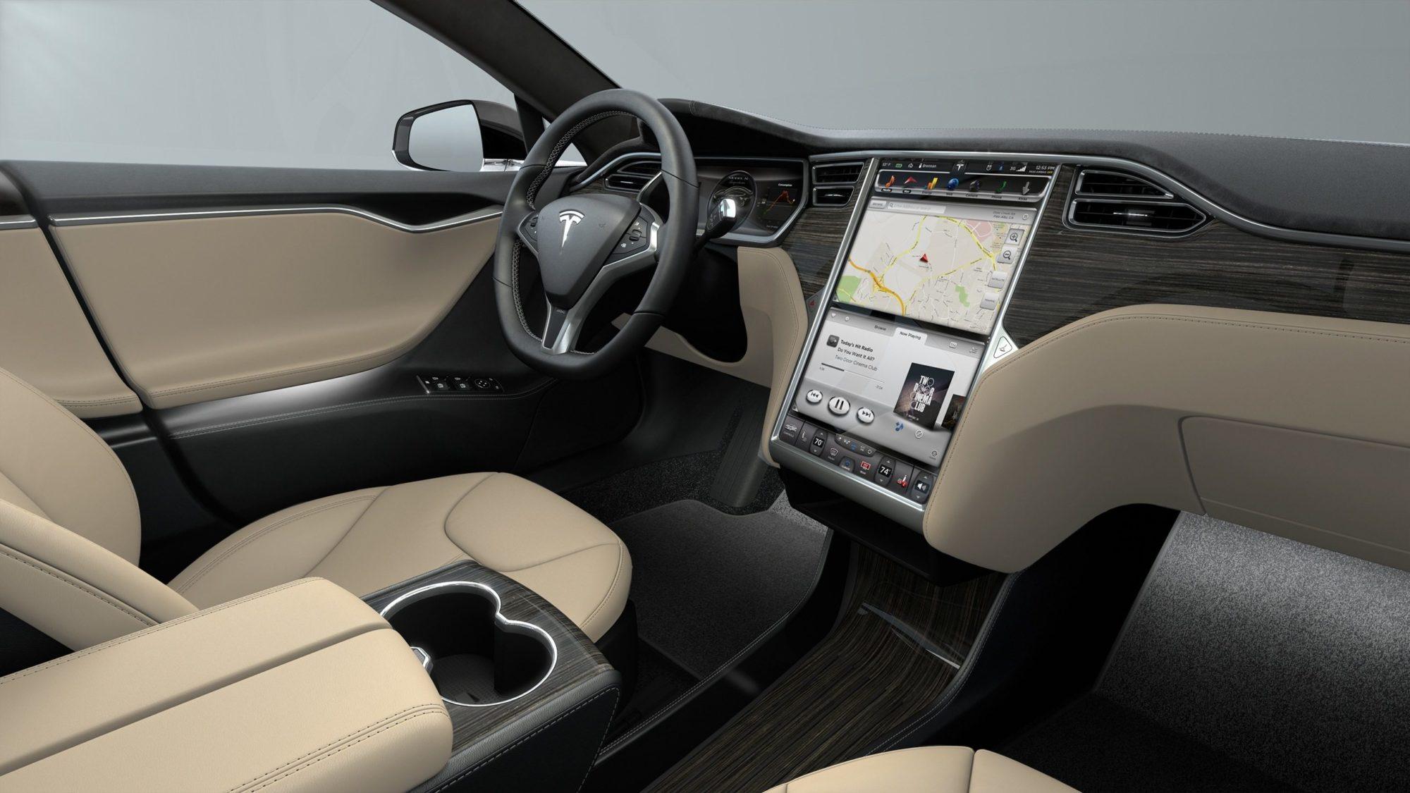 פנים הרכב. טסלה מודל S P85D. קרדיט: Tesla Motors