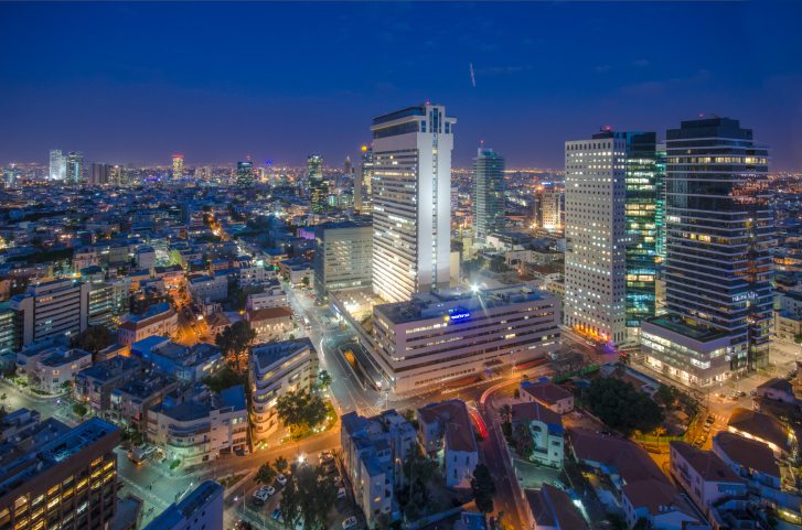 Tel-Aviv Shalom Tower dusk
