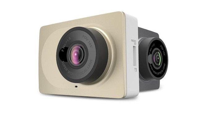 מצלמת הרכב Yi Dash Camera (צילום: אלון רזניק)