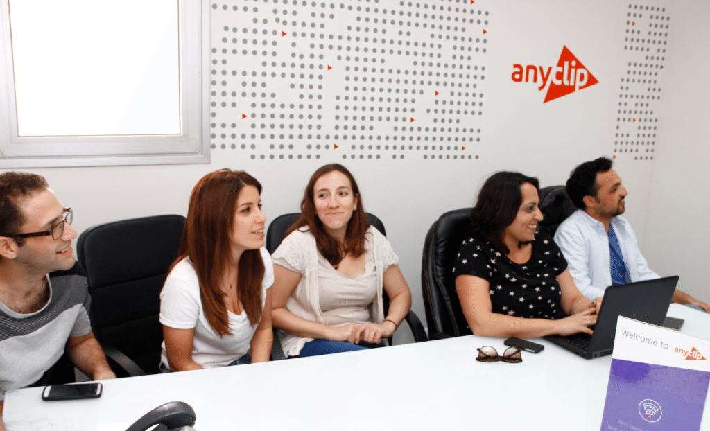 AnyClip-meeting (1)