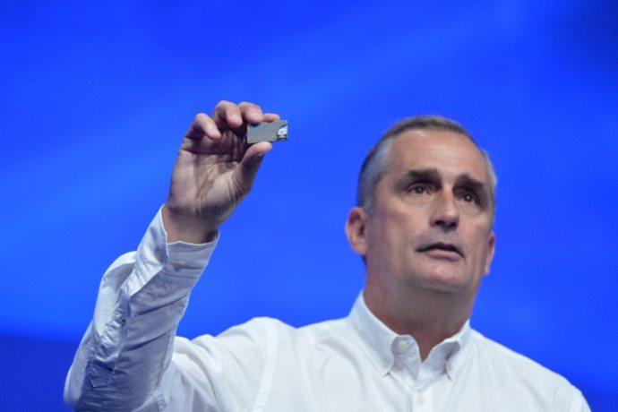 בריאן קרזניץ' מציג את ה-Joule. מקור: Intel