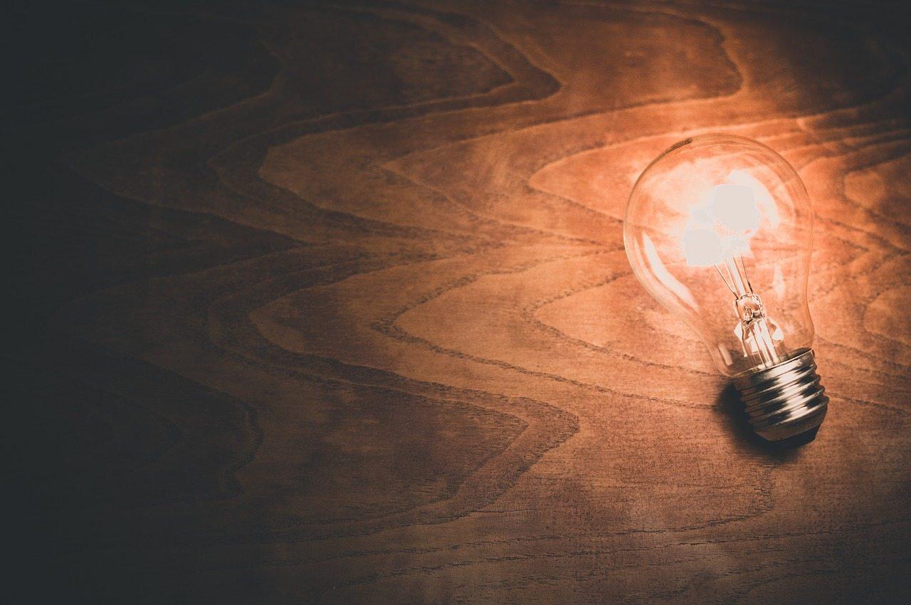 light-bulb cc0 PD