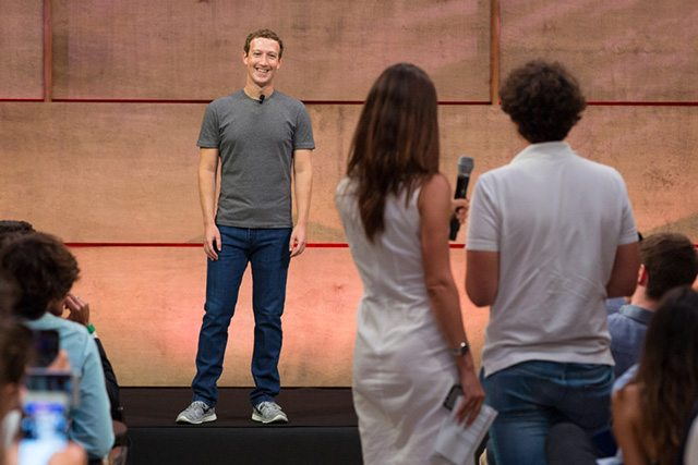 מארק צוקרברג באירוע ה'שאלות ותשובות' שערכה החברה אתמול ברומא. מקור: Facebook