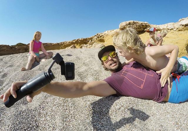 """הגימבל מתנתק והופך למוט ייצוב תמונה. מקור: יח""""צ GoPro"""