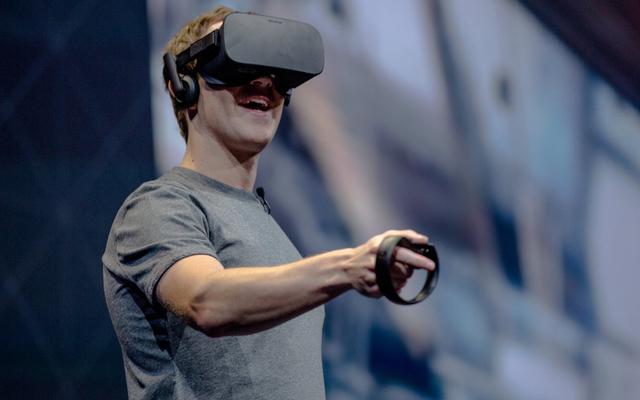 מארק צוקרברג מדגים. מקור: Oculus