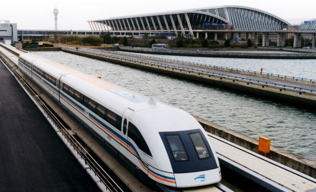 הרכבת המגנטית המהירה לשנגחאי (צילום: Shanghai Maglev Transportation Development Co.)