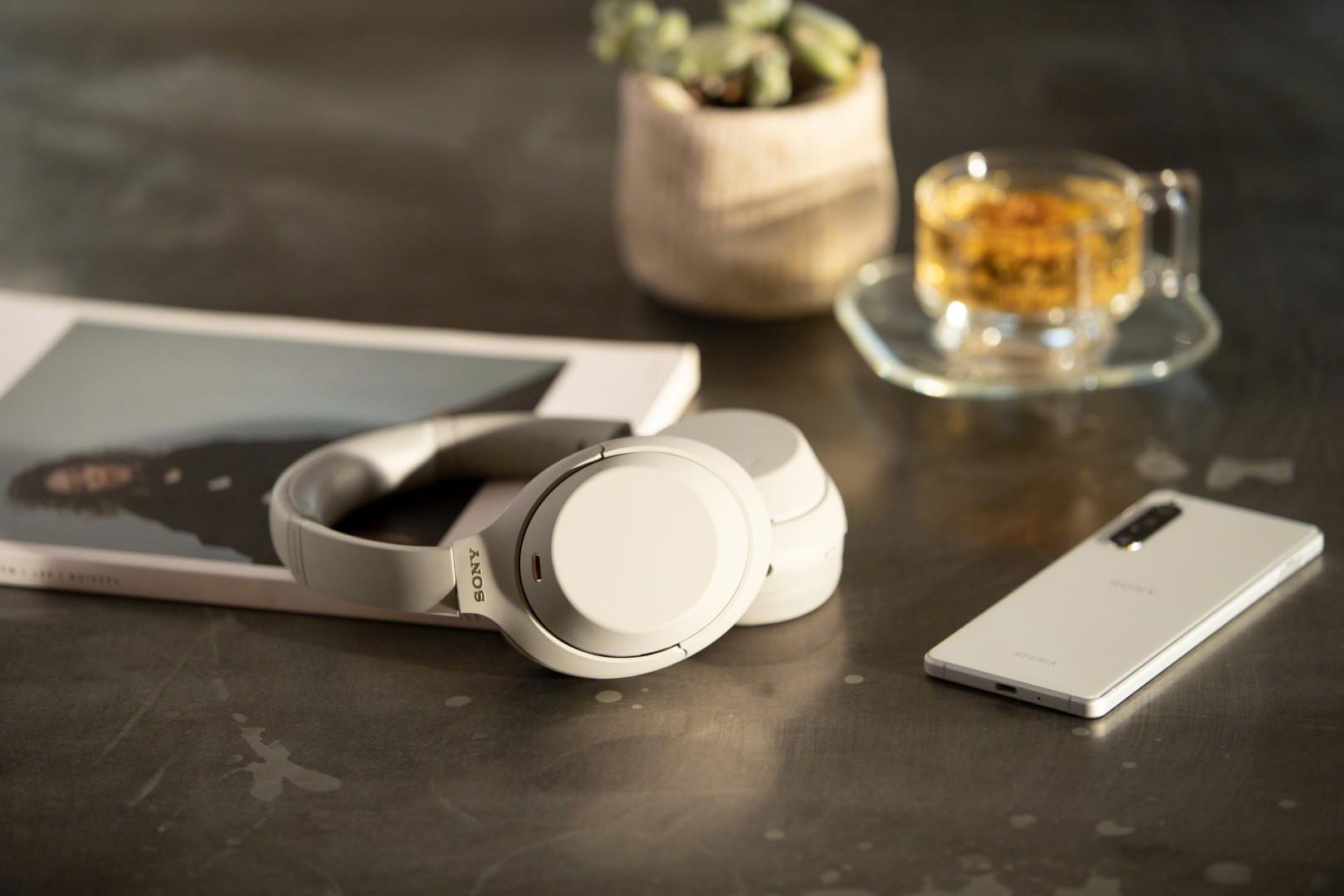 סוני חושפת את XM4: הדור הבא של אוזניות ביטול הרעשים המצליחות שלה