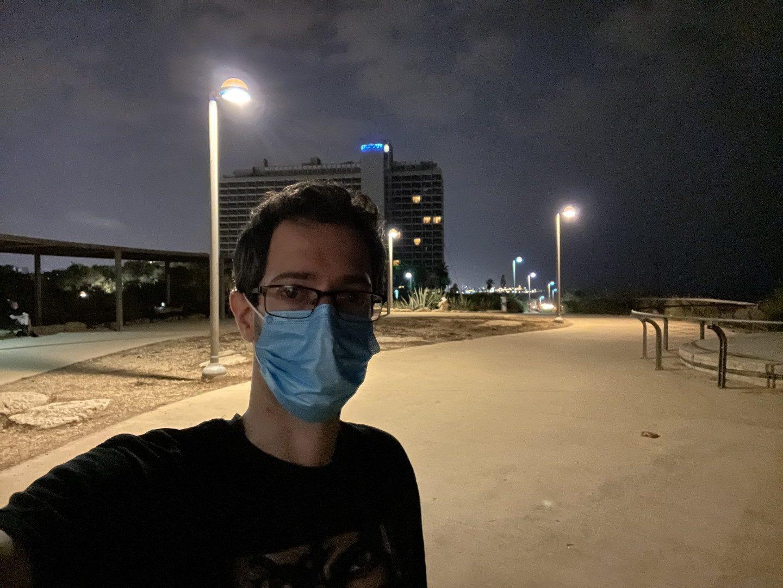 אפשר לצלם סלפי גם בלילה