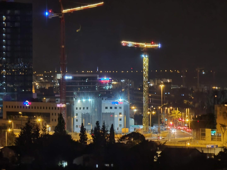 צילום לילה עם עדשת הטלפוטו